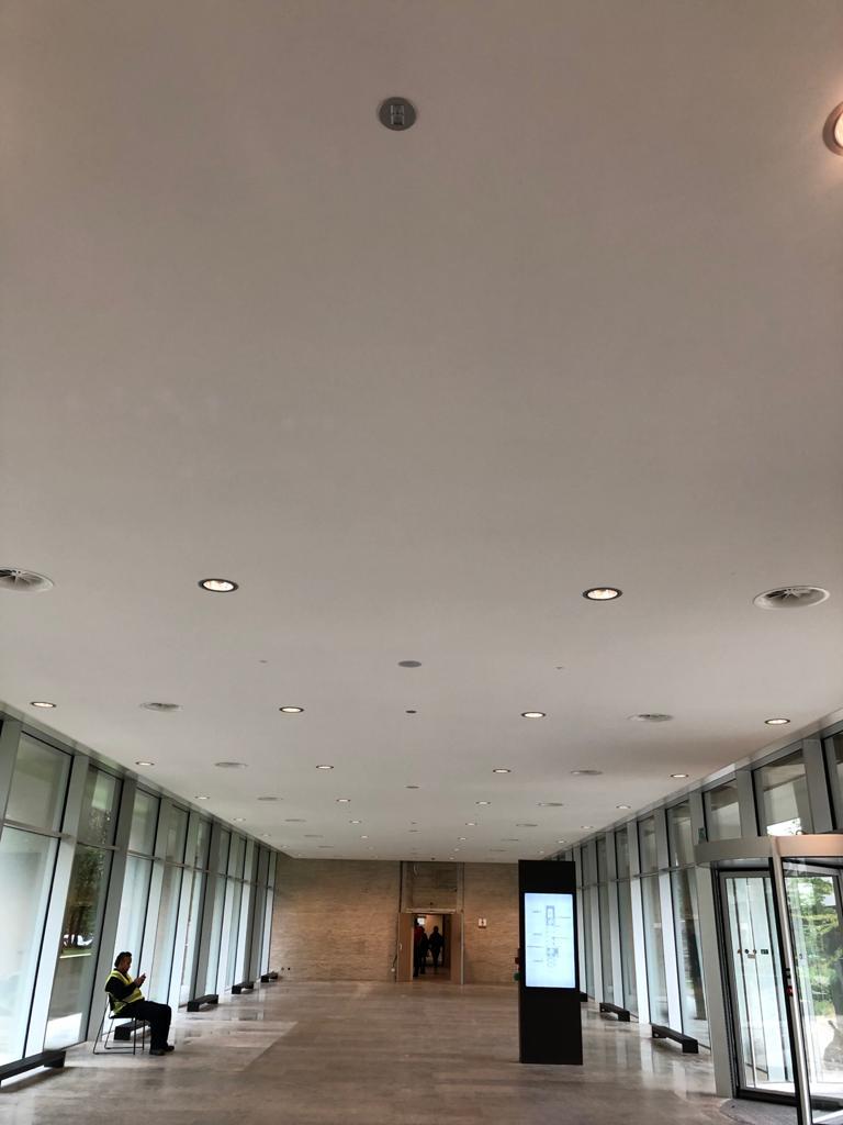 Naadloos akoestisch plafond , Janse Afbouw